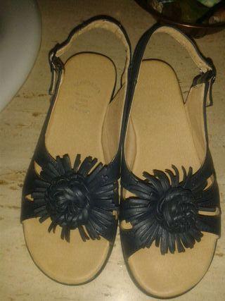 Zapato de piel nuevo