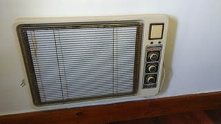 Tres estufas radiadores de pared eléctricas