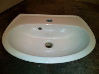 lavabo aseo pequeño