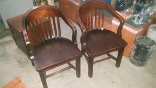 2 sillones de madera maciza