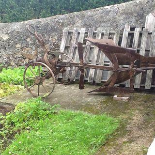 Arado brabant antiguo ( más de cien años)