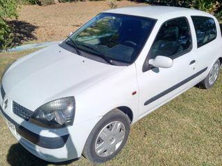 Renault Clio, diésel, poco kilómetros.