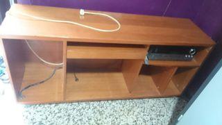 escritorio para pc,impresora y equipo de musica