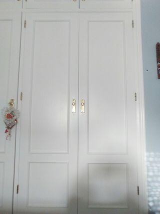 Puertas madera armario empotrado