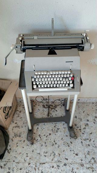 Máquina de escribir (ESCUCHO OFERTAS)