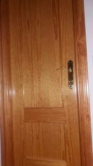 Puerta de pino