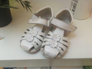 Zapatos sandalias pabloski