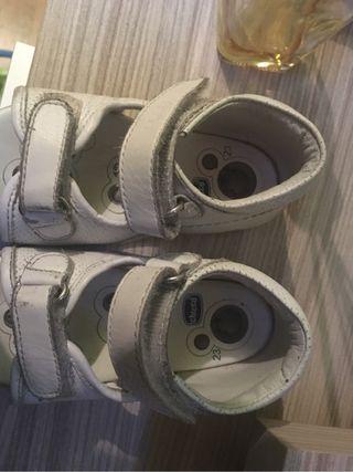 Zapatos bebe marca chicco