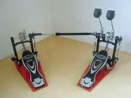 doble pedal milenium pd 222 con muy poco uso