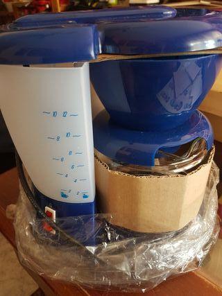 Cafetera y calentador de leche