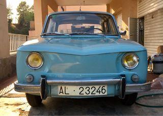 renault 8 clasico 1966 de los primeros construidos, esta restaurado 100x100.