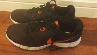 Nike Revolution talla 45'5 NUEVAS