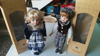Muñecas de coleccion de porcelana.