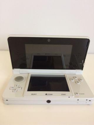 Nintendo 3DS blanca ~ En perfecto estado