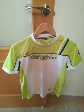 Camiseta nueva deportiva. Talla S.