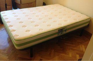 Cama doble y colchón
