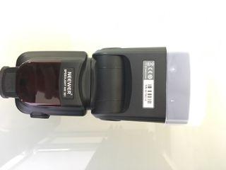 flash Neewer NW561