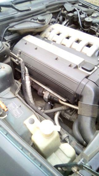 BMW automatico Serie 5 1996 210.000km negro mato