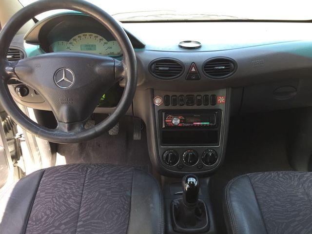 Mercedes-benz Clase A 170cdi con libro
