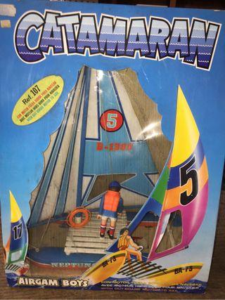 Antiguo Catamaran de la marca Airgan