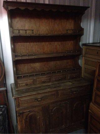 Mueble de cocina de madera antiguo