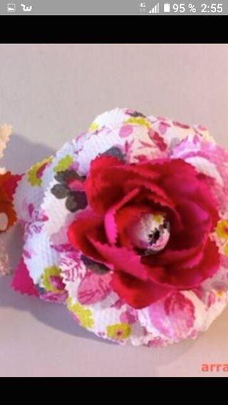 hago flores de flamenca a juego con el traje