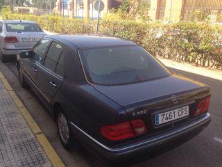 Mercedes-Benz 300D aut