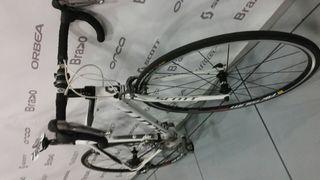 Bicicleta de carbono Scott CR1 Shimano 105