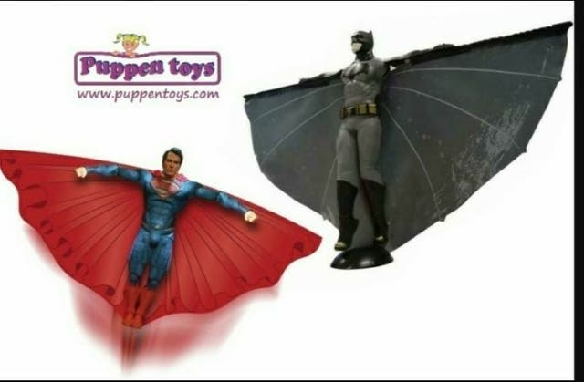 Muñeco volador BATMAN / SUPERMAN