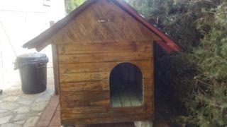 Caseta artesanal para perro tamaño medio/grande