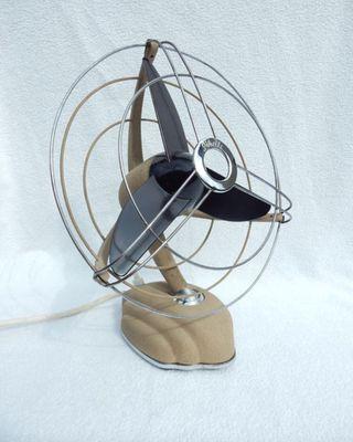 Ventilador de diseño pieza única del 1950 funciona