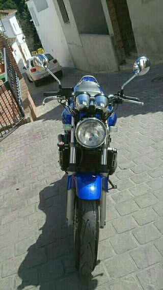 Moto Honda cilindrada 600