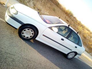 Renault Laguna 2000