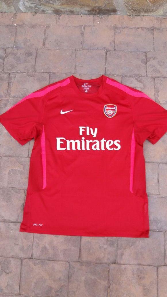 Arsenal. Camiseta Nike. Talla L. Usada una vez. de segunda mano por ... 68af3cfc364f1