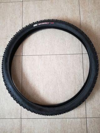 2 neumáticos mountain-bike