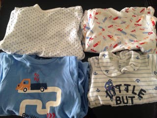 4 pijamas bebé T3 meses