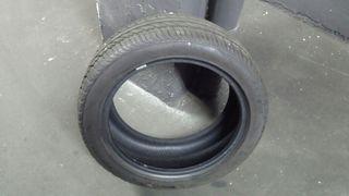 Neumático coche 225/45/17