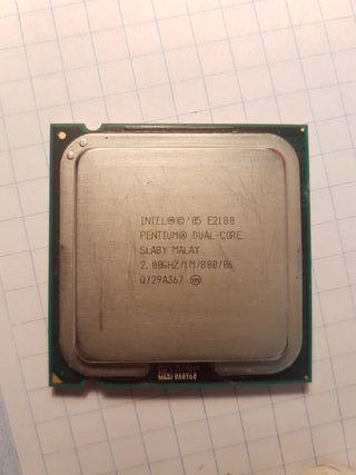 Procesador dual-core, 2gb ddr2, cooler