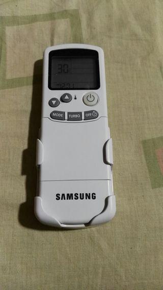 Mando aire acondicionado marca Samsung