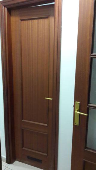 Puertas de madera interiores de segunda mano en wallapop for Puertas de madera exterior de segunda mano
