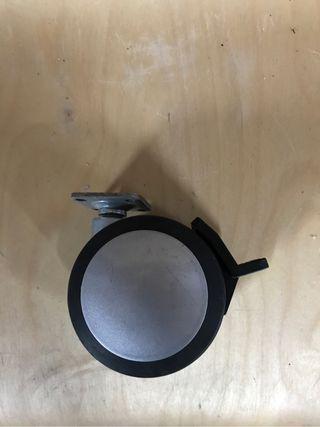 Rueda con freno diametro 7,5cm