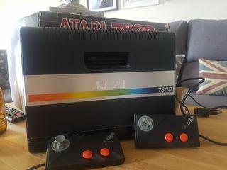 Atari 7800 + 5 juegos