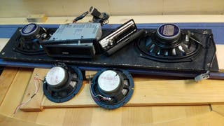 Reproductor cd y Radio para coche co cuatro altavo