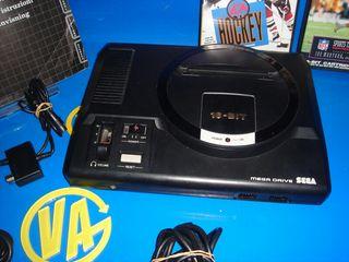 Consola sega MEGADRIVE + 2 mandos y 2 juegos