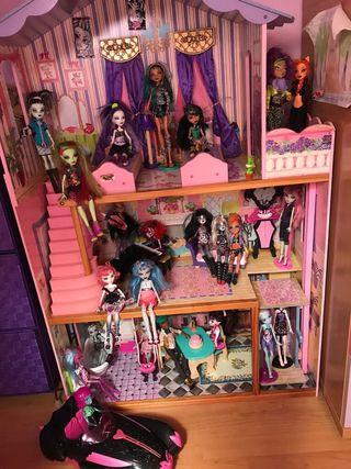 Casa y lote de Monster High