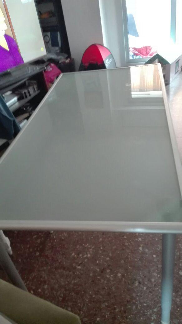 Mesa comedor ikea cristal templado de segunda mano por 55 € en ...