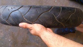 neumático delantero 100/80-17