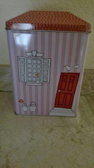 caja en forma de casita