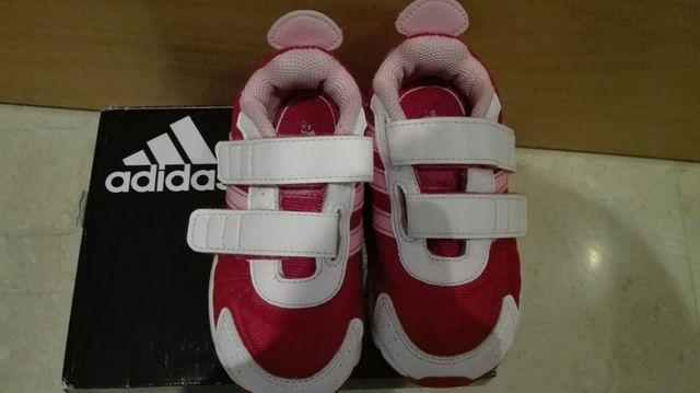 b531c86a9 Zapatillas Adidas Número 23 de segunda mano por 10 € en Miranda de ...