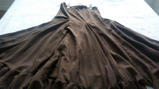 Falda marrón baile español